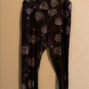 LuLaRoe (TC) Leggings Roses